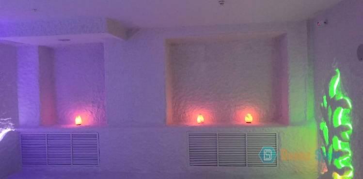 Светильники из гималайской соли в соляной комнате